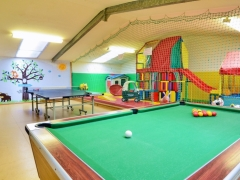 Play barn with softplay, pool table & table tennis